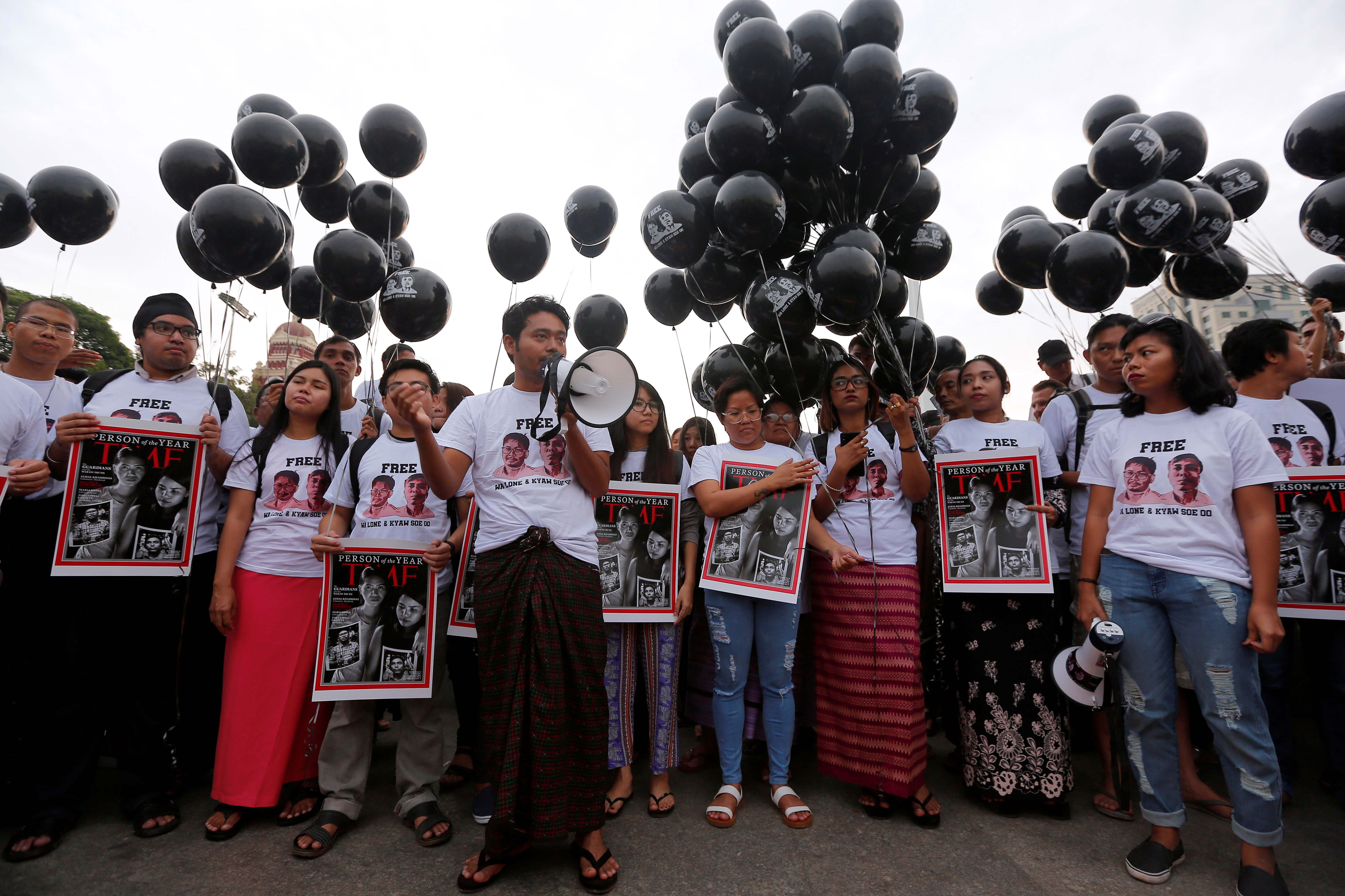 Activists gather at a rally, calling for the release of imprisoned Reuters journalists Wa Lone and Kyaw Soe Oo, one year after they were arrested, in Yangon, Myanmar, Dec.12, 2018.