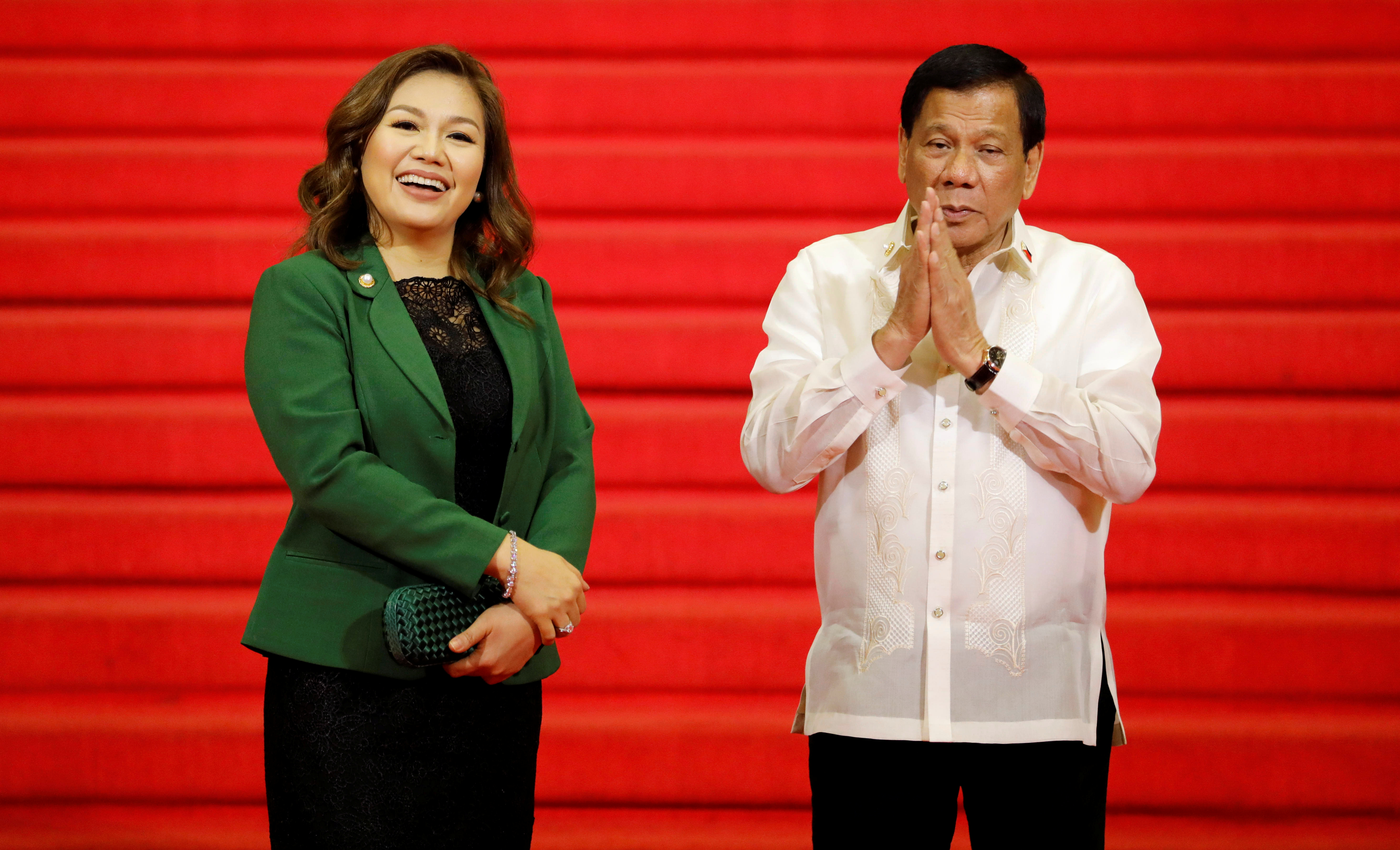Philippine President Rodrigo Duterte and his partner Honeylet Avancena wait for other Southeast Asian leaders to arrive to the 30th Association of Southeast Asian Nations (ASEAN) summit in Manila, Philippines, April 29, 2017.