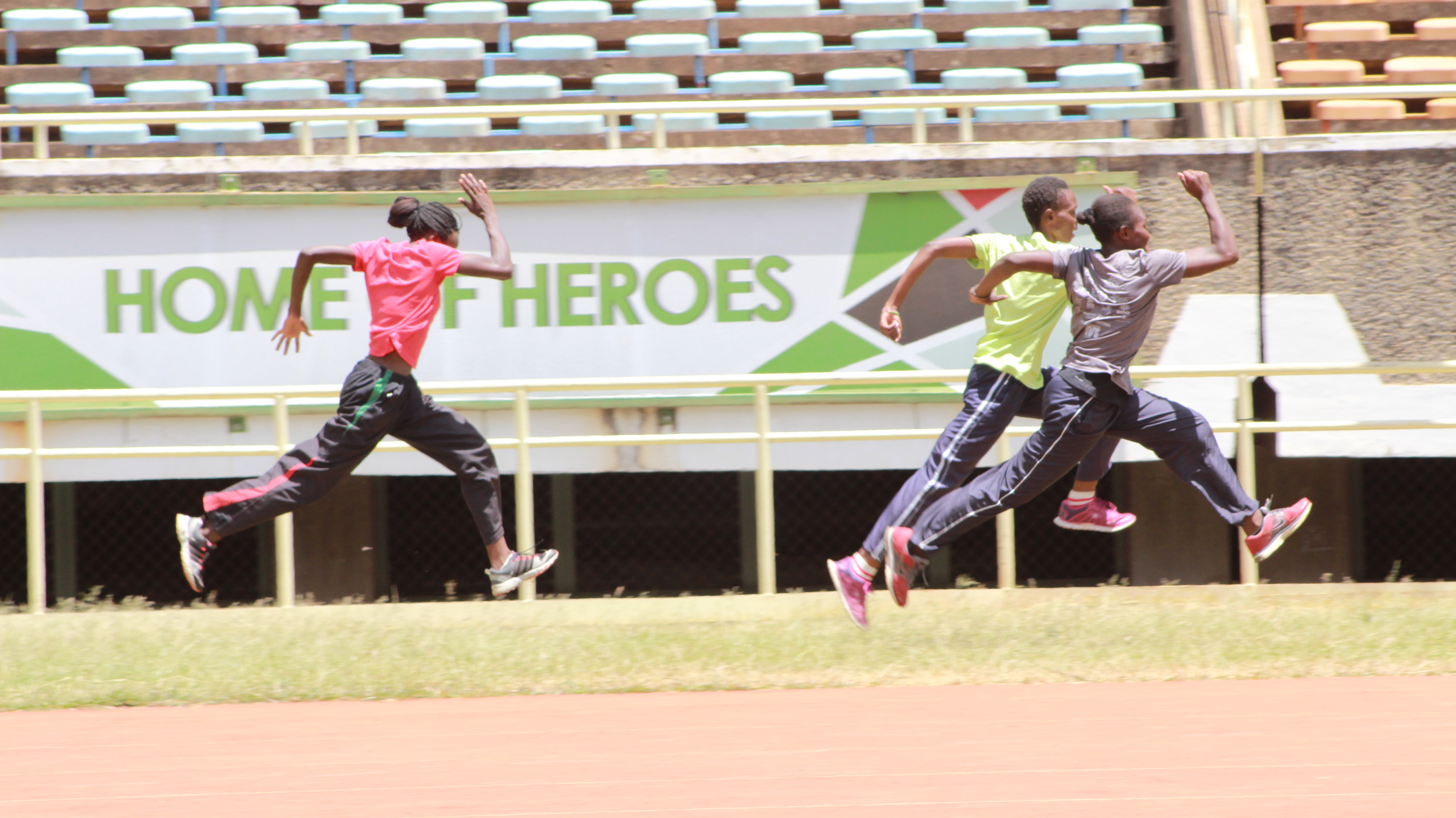 Nairobi's Moi International Sports Center is undergoing renovation in preparation for the championships. Above the din, athletes perfect their skills. (L. Ruvaga/VOA)