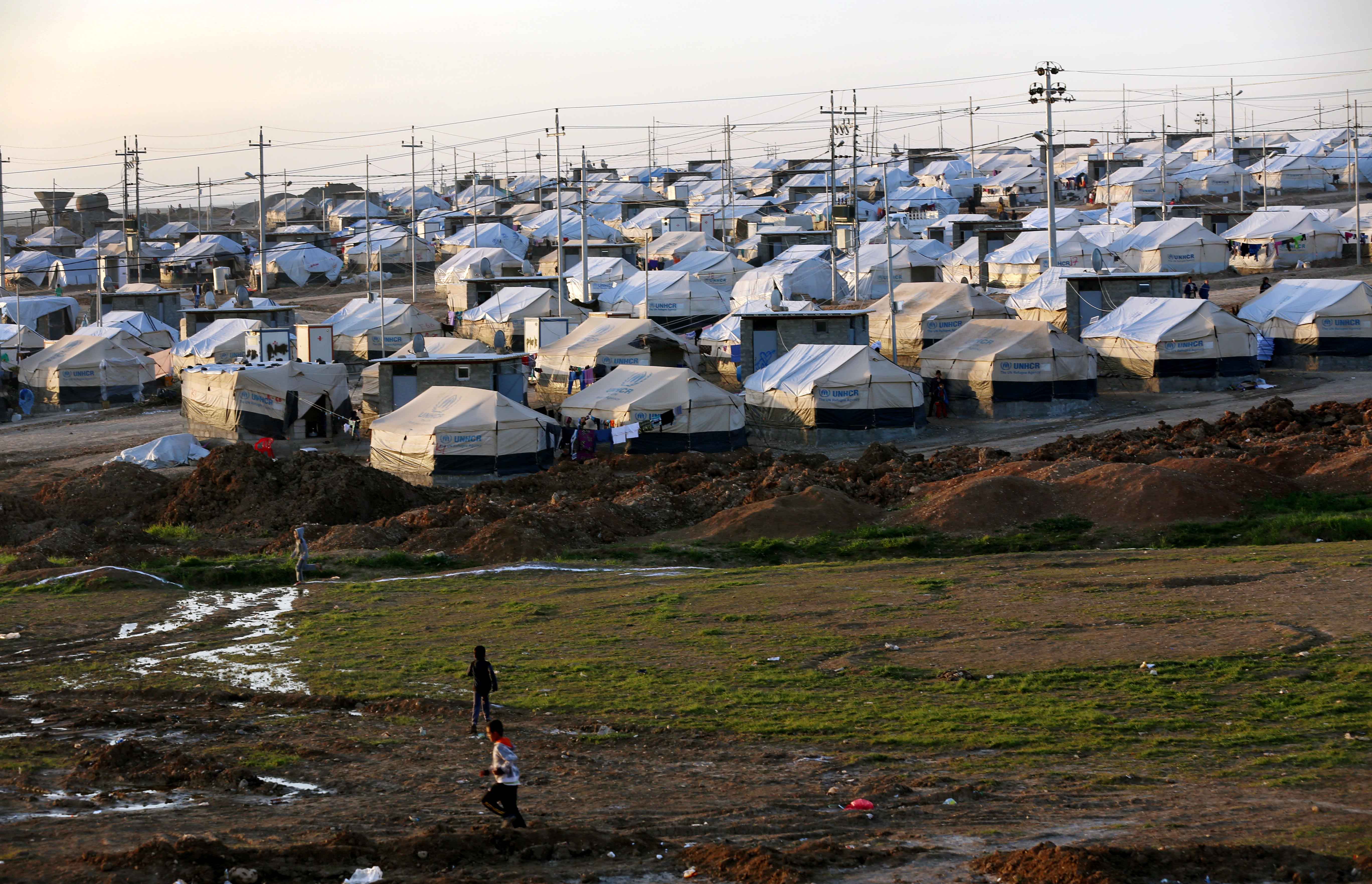 A view of a camp for displaced Iraqis in Khanke, a few kilometers (miles) from the Turkish border in Iraq's Dohuk province, January 25, 2015.