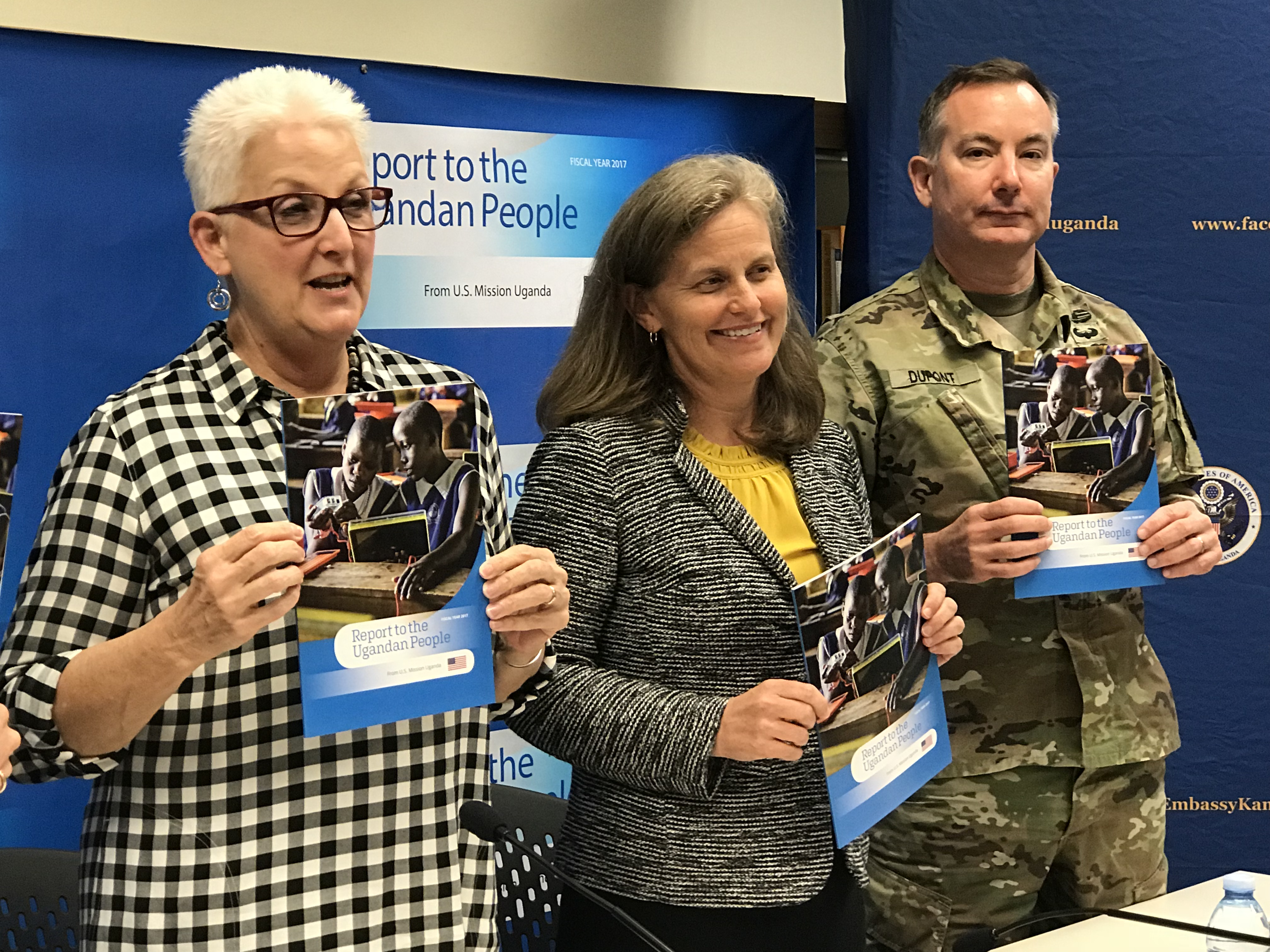 US Ambassador to Uganda Deborah Malac (L) launches the second report on assistance to Uganda at the US Embassy in Kampala, Aug. 2, 2018. (H. Alhumani for VOA)