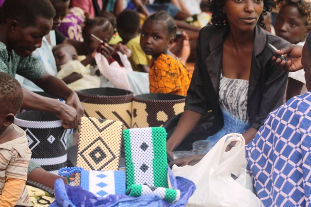 Hundreds of women in the greater Equatoria region, especially the former Central Equatoria state, are earning income from making and selling handicrafts. (D. Silva/VOA)