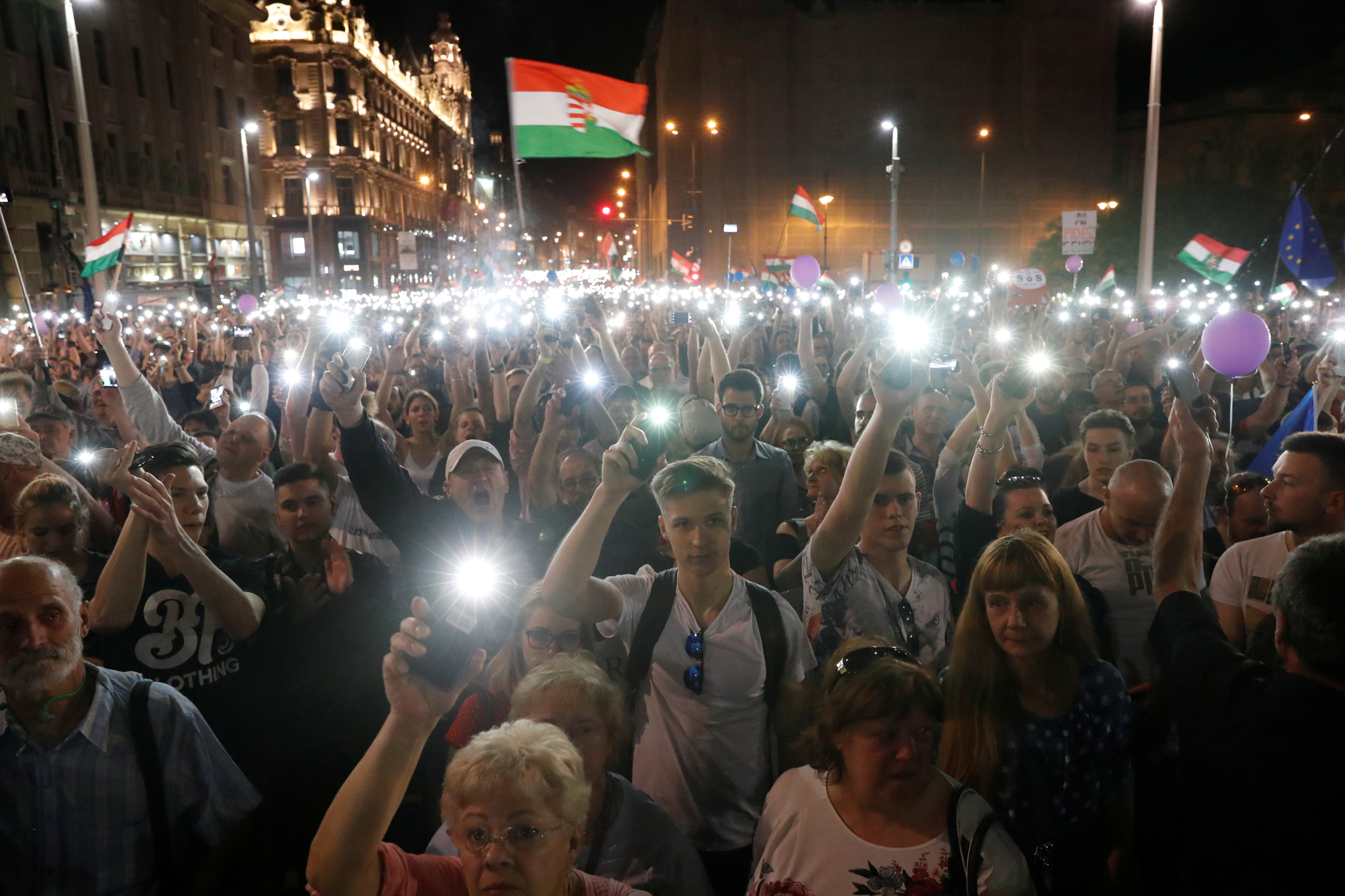 means hungarian anti orbán demonstrators - HD4368×2912