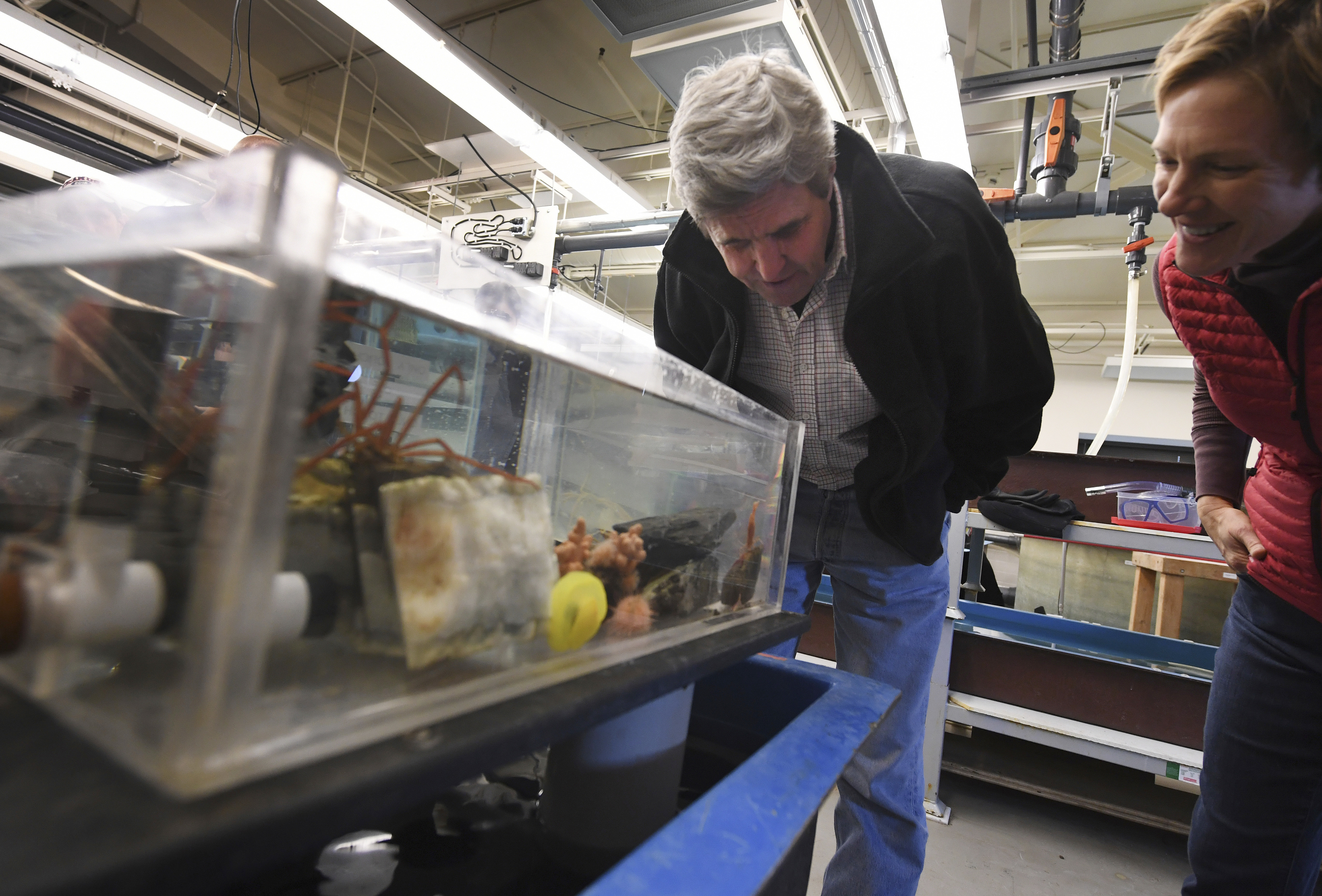U.S. Secretary of State John Kerry  inspects marine life at the Crary Science Center in McMurdo Station in Antarctica, Nov. 12, 2016.