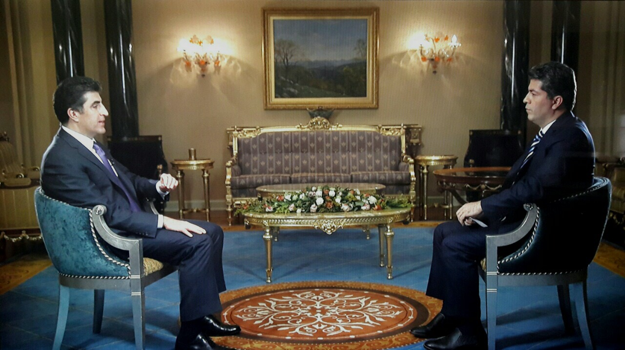 Prime Minister of the Kurdistan Regional Government in Iraq, Nechirvan Barzani (L) speaks to VOA's Ali Javanmardi (R) about various regional issues.
