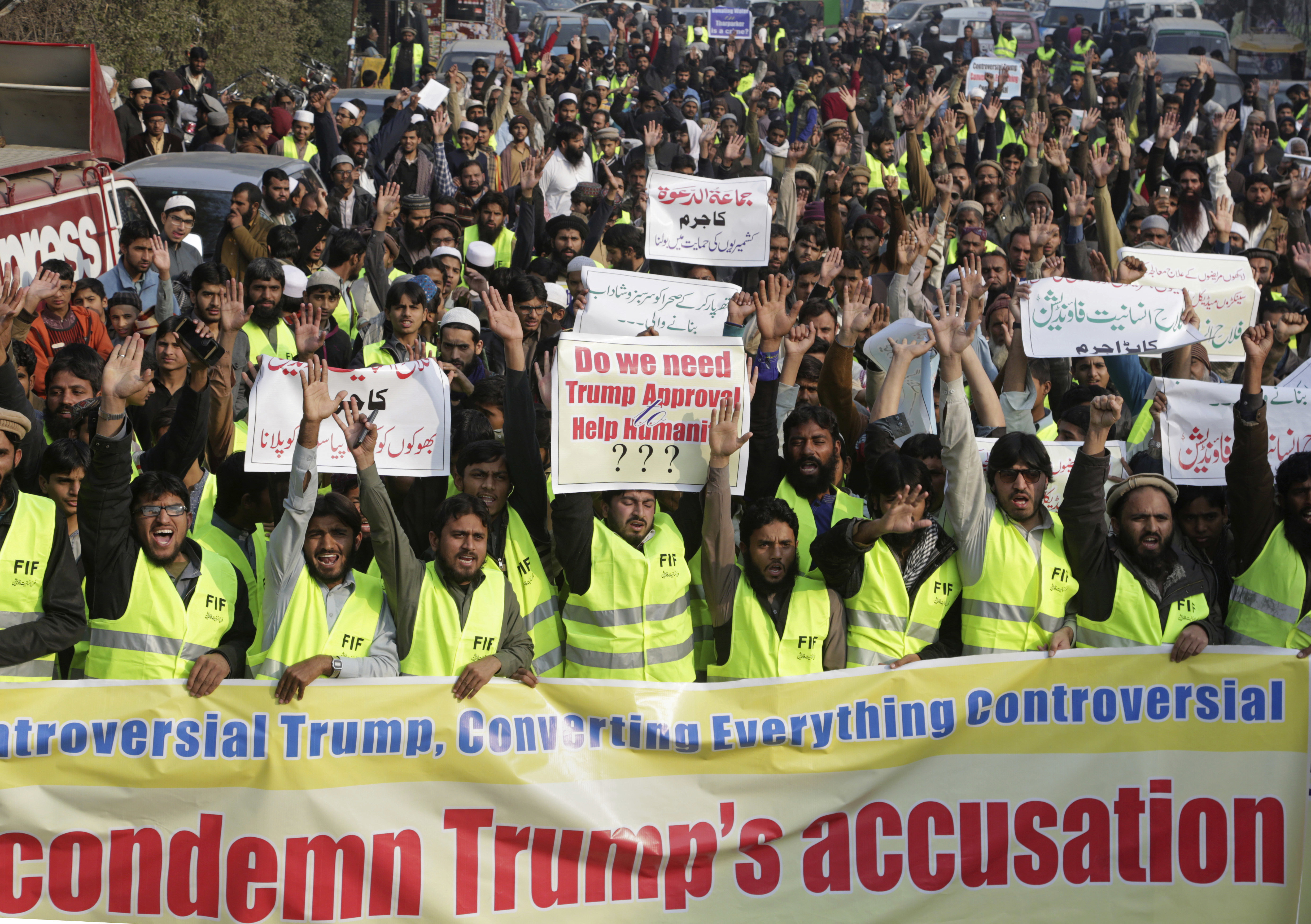 "Supporters of Pakistani religious groups rally against U.S. President Donald Trump in Lahore, Pakistan, Jan. 2, 2018. Trump slammed Pakistan for ""lies & deceit"" in a New Year's Day tweet that said Islamabad had played U.S. leaders for ""fools."""
