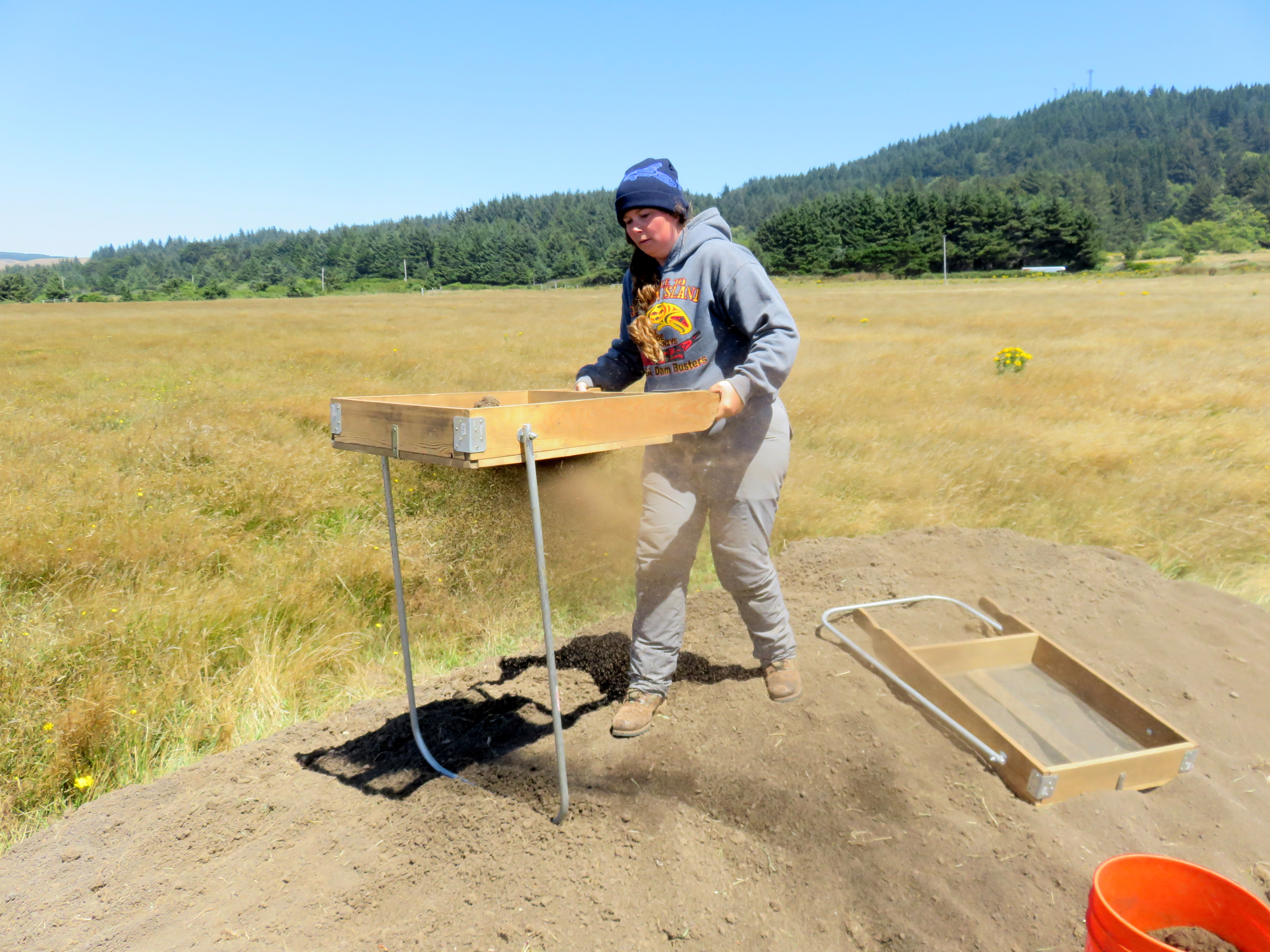 """""""I thought that doing this would give me a really good insight into the war and give me both sides of the story,"""" said University of Oregon archaeology student and Coos tribal member Courtney Krossman. (Tom Banse for VOA)"""