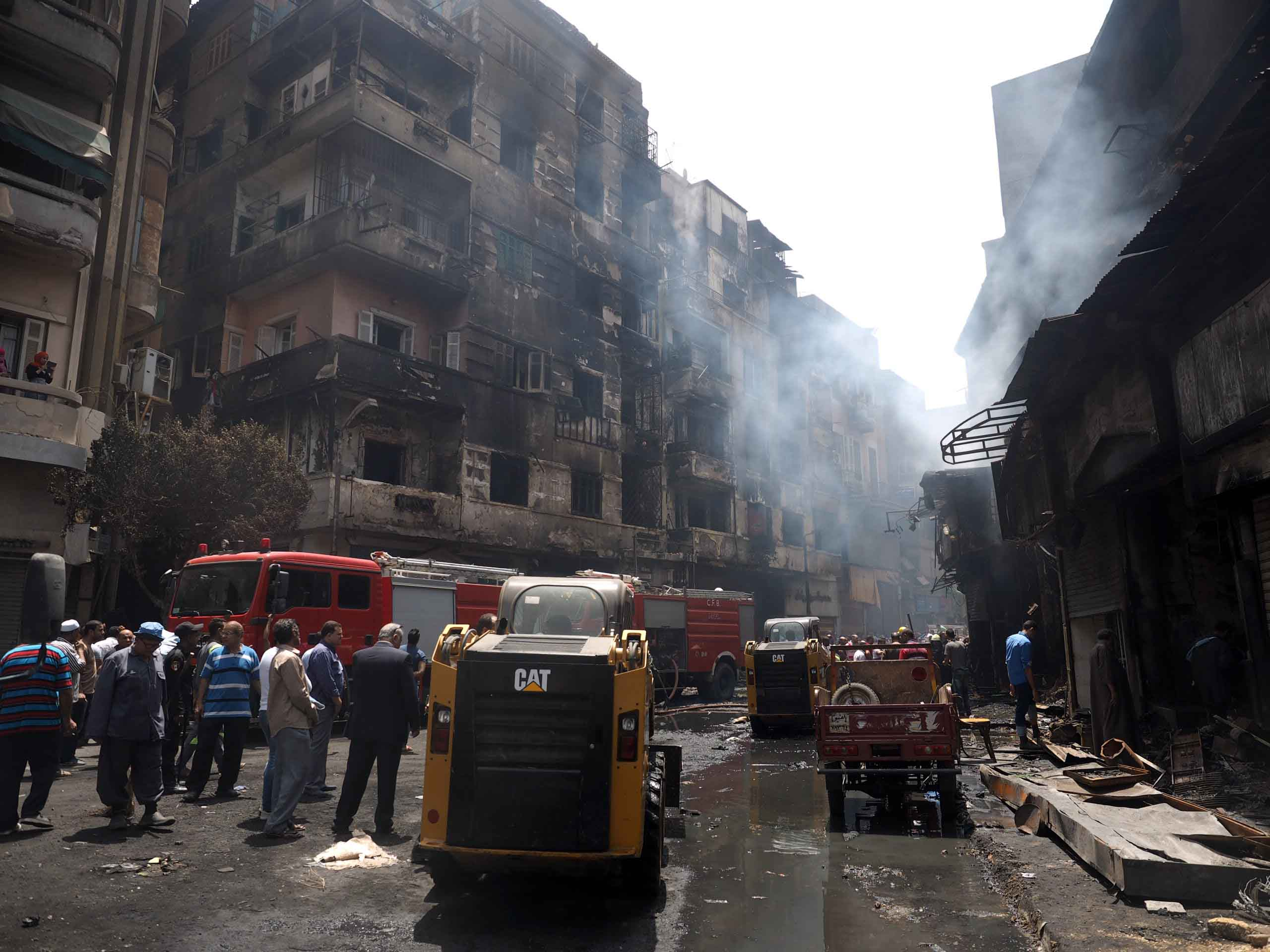 Local media estimates this fire destroyed hundreds of apartments and businesses among the roughly $45 million in property loses in Cairo on May 11, 2016.  (VOA/Hamada Elrasam)
