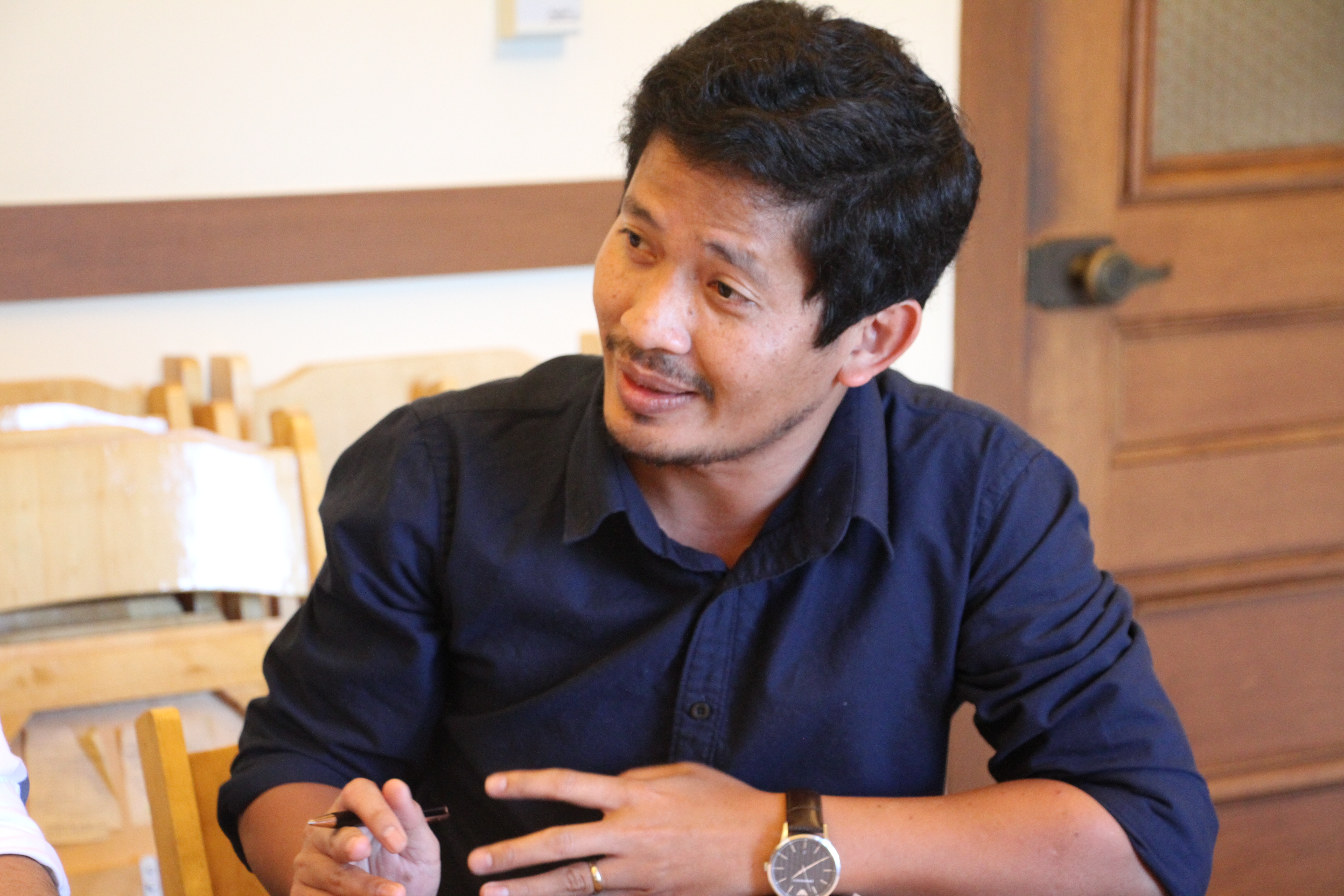Chankiriroth Sim, founder of Banhji, during a meeting with the San Francisco Mayor's Office of Civic Innovation while he was on a three-week International Visitor Leadership Program (IVLP). (Sreng Leakhena/VOA Khmer)
