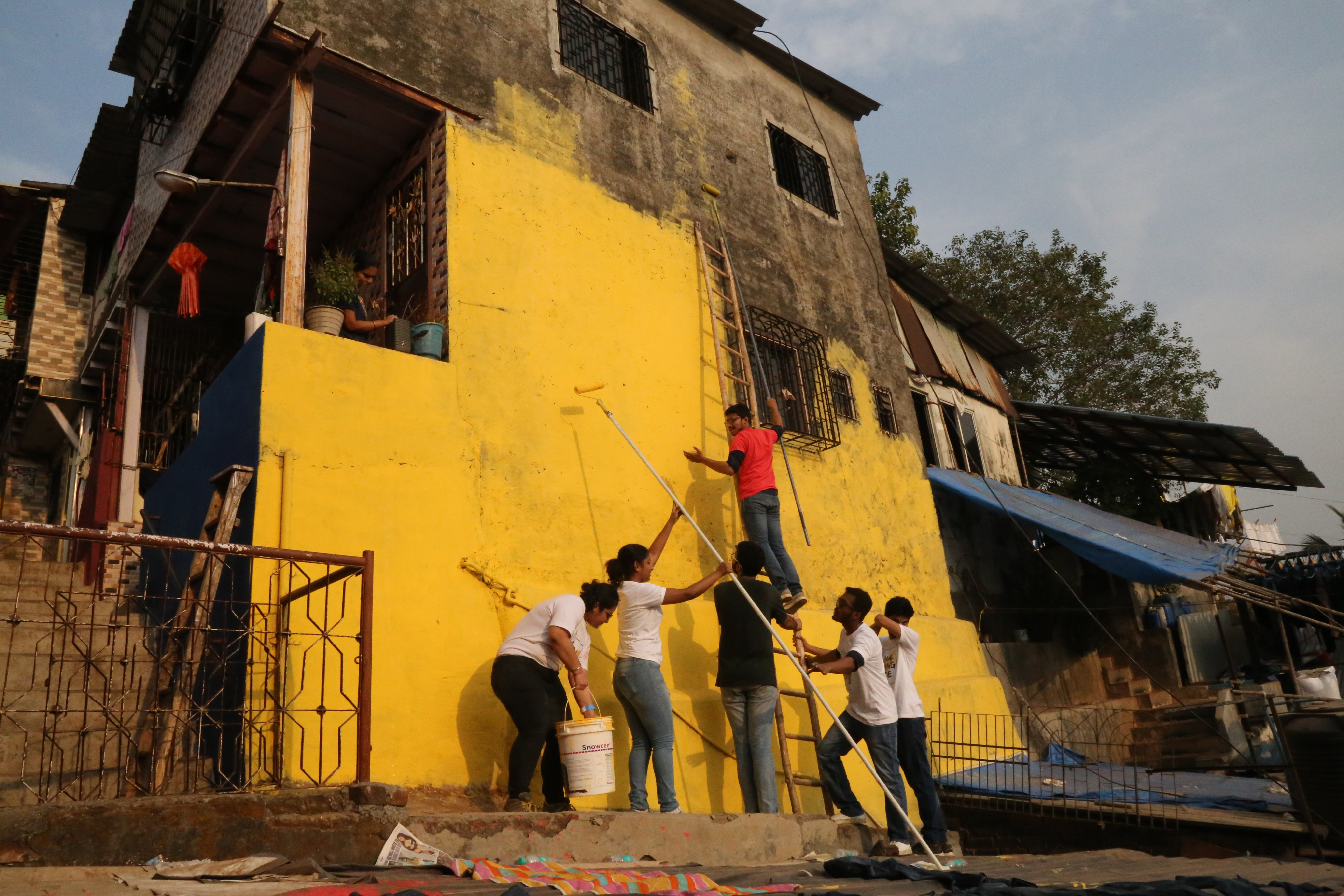 A slum in Asalpha, in Mumbai's eastern suburbs, got a colorful makeover through a charity initiative aimed at brightening slums, home to more than half the city's population.