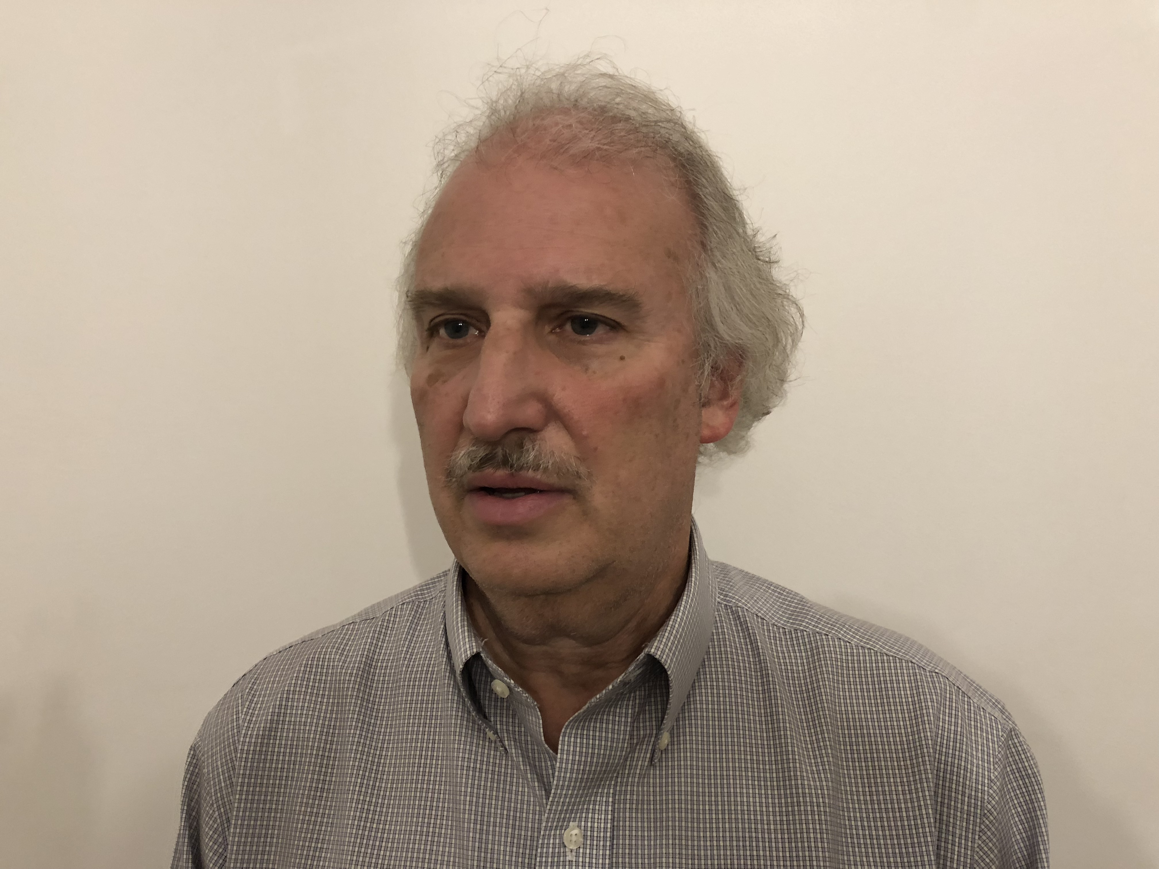 Larry Garber was the co-director of joint International Republican Institute/National Democratic Institute observer mission to Zimbabwe's July 30 general election. (C. Mavhunga/VOA)