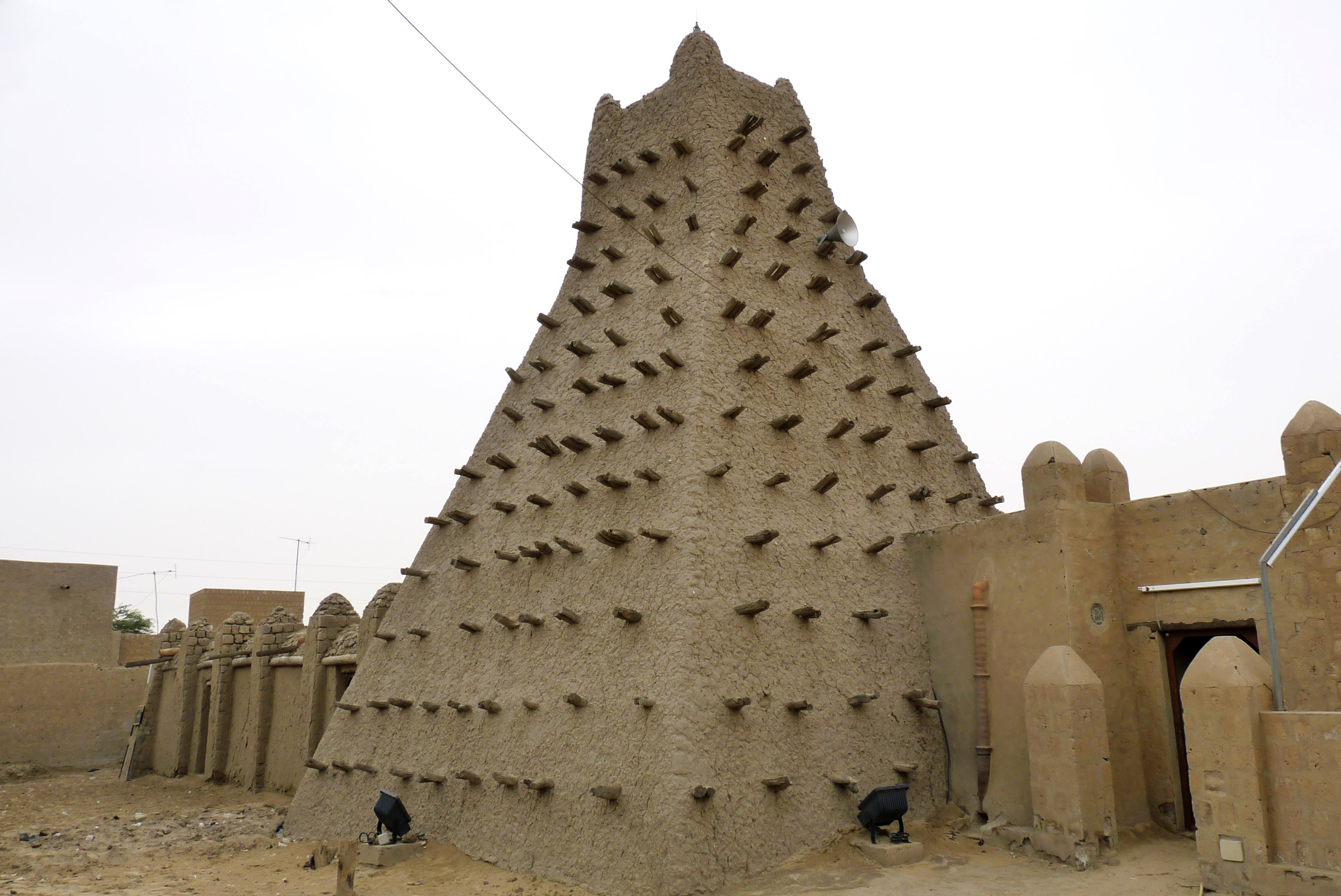 A traditional mud structure stands in the Malian city of Timbuktu, May 15, 2012. Al-Qaida-linked Mali Islamists armed with Kalashnikovs and pick-axes began destroying prized mausoleums of saints in Timbuktu on June 30, 2012, in front of shocked local...