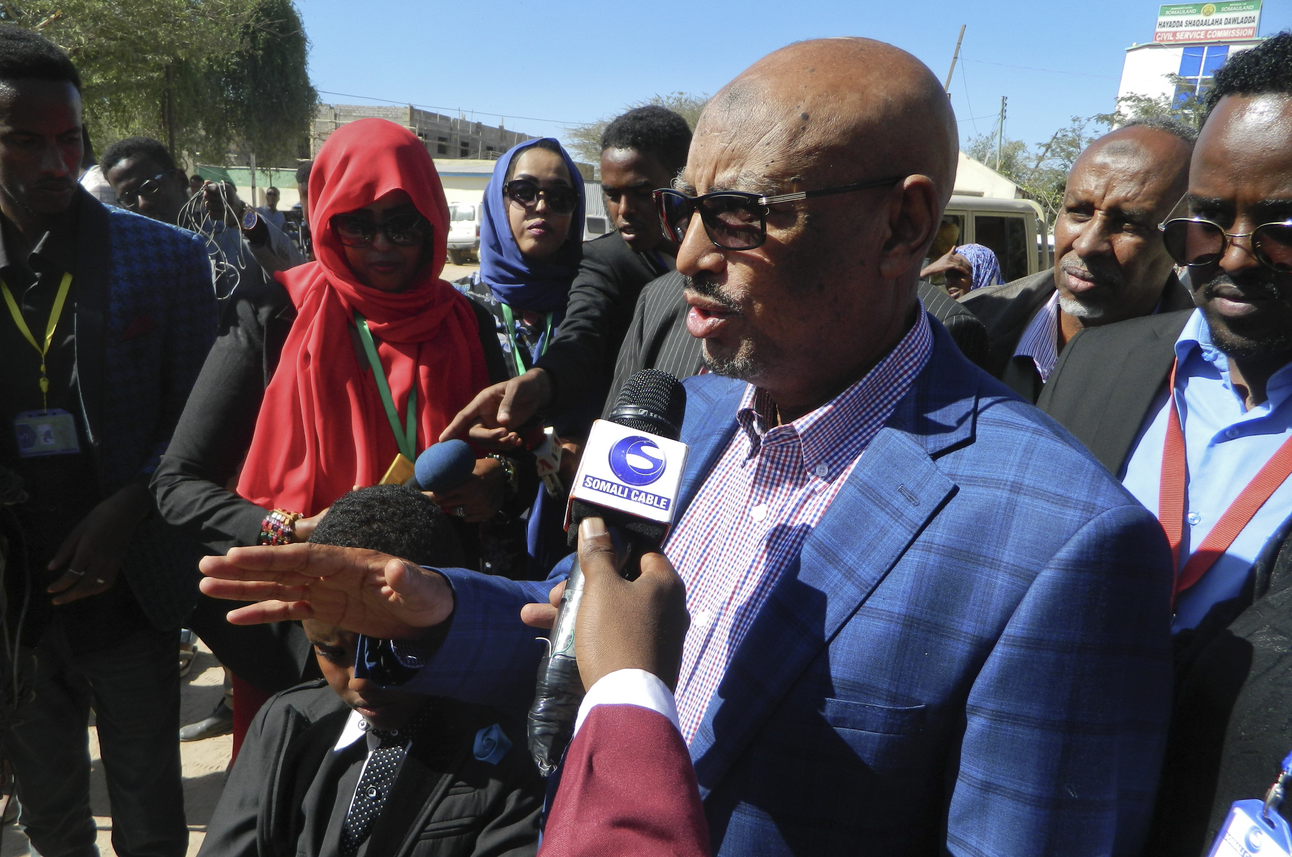 Opposition candidate Feisal Ali Warabe addresses the media after casting his vote in the presidential election in Hargeisa, in the semi-autonomous region of Somaliland, Nov. 13, 2017.