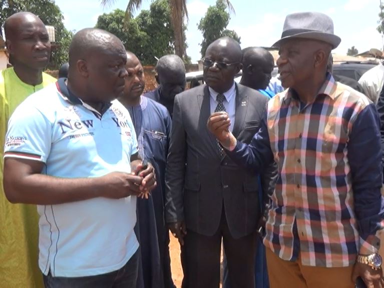 Officials of Cameroon's land freight transportation bureau visit stranded drivers in Garoua Boulay, March 19, 2019. (M.E. Kindzeka/VOA)