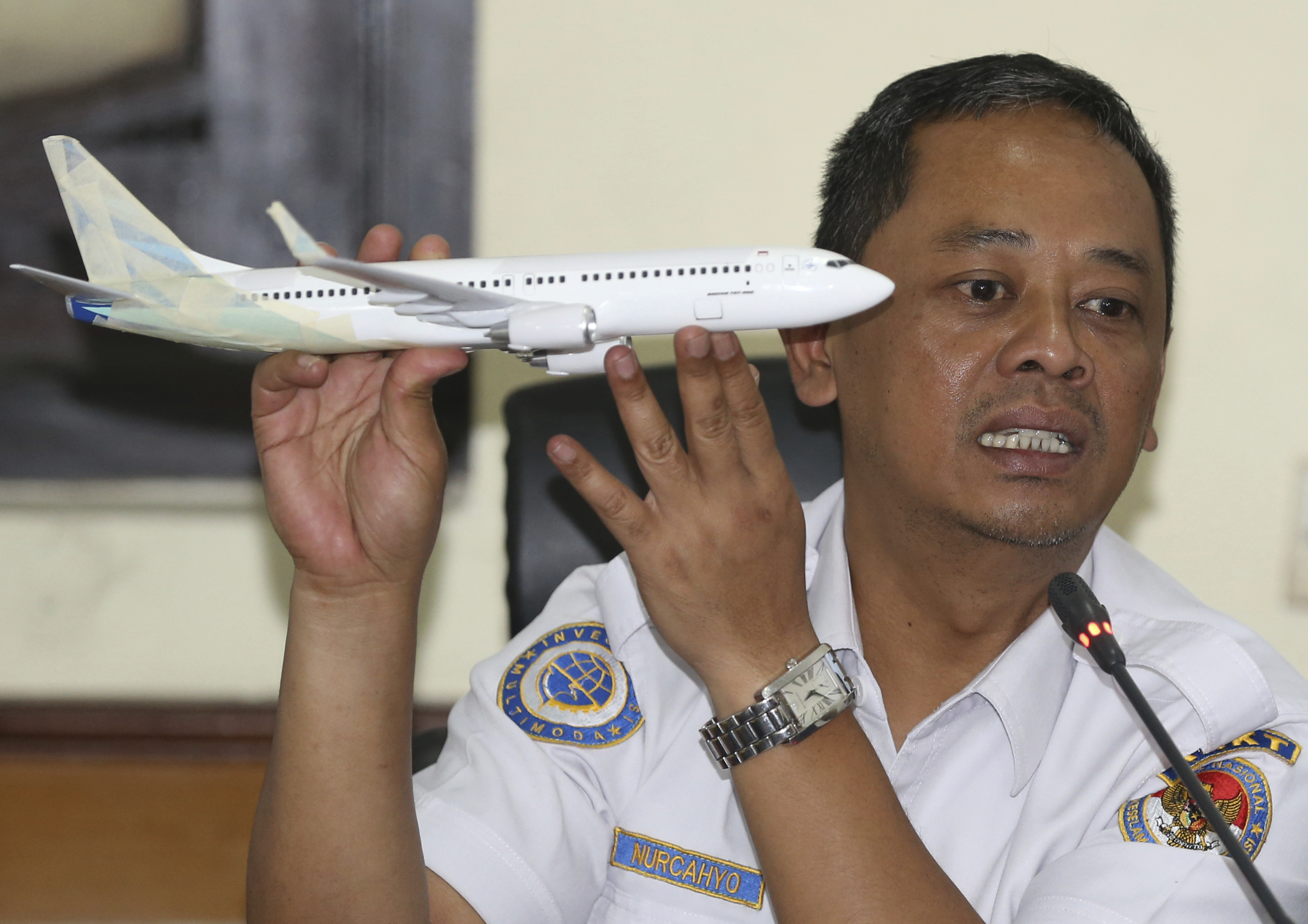 National Transportation Safety Committee investigator Nurcahyo Utomo during a press conference on the committee's preliminary findings on their investigation on the Lion Air crash, in Jakarta, Nov. 28, 2018.