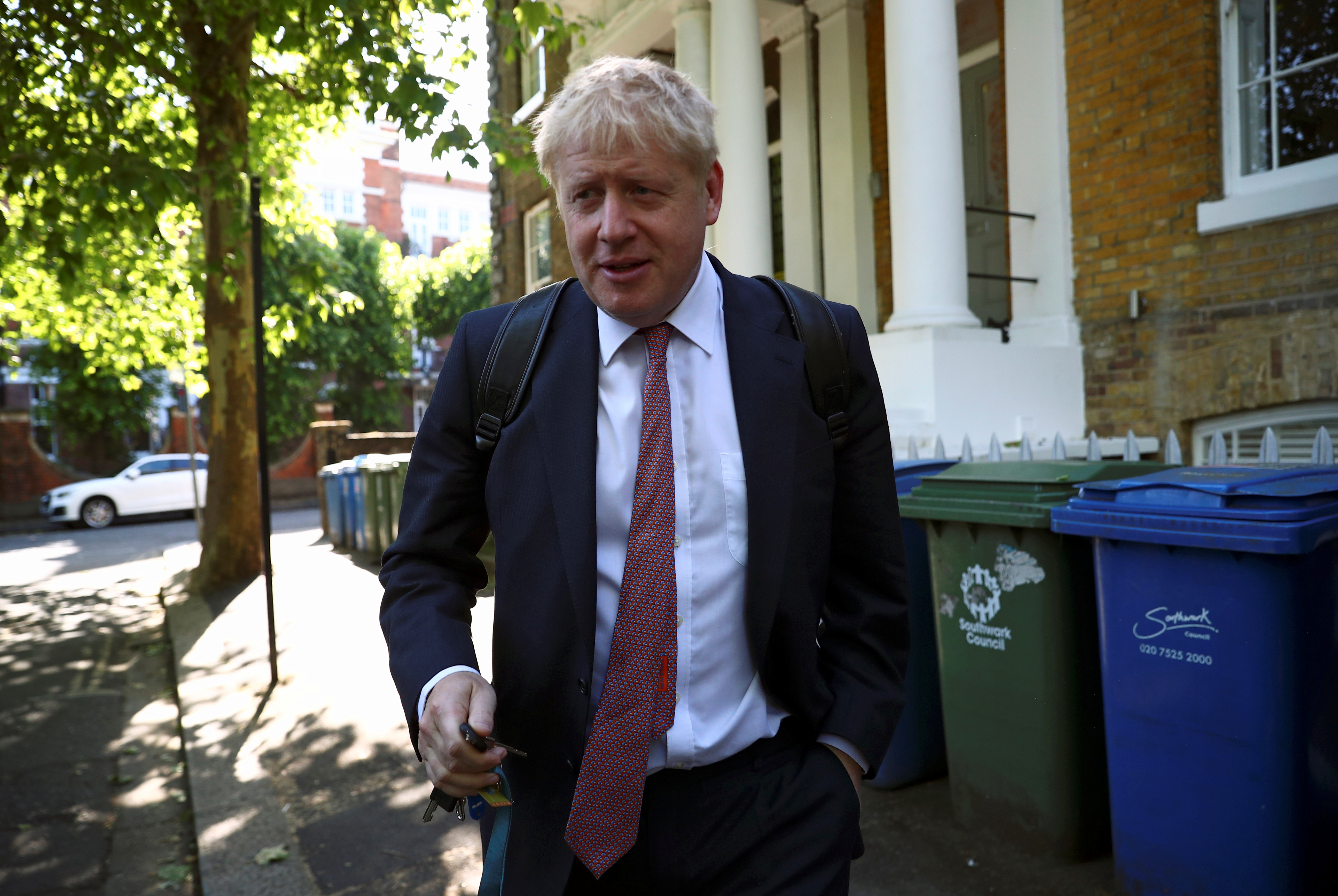 Former British Foreign Secretary Boris Johnson, who is running to succeed Theresa May as Prime Minister, leaves his home in London, Britain, May 30, 2019. REUTERS/Hannah McKay - RC1DAB2CCF60