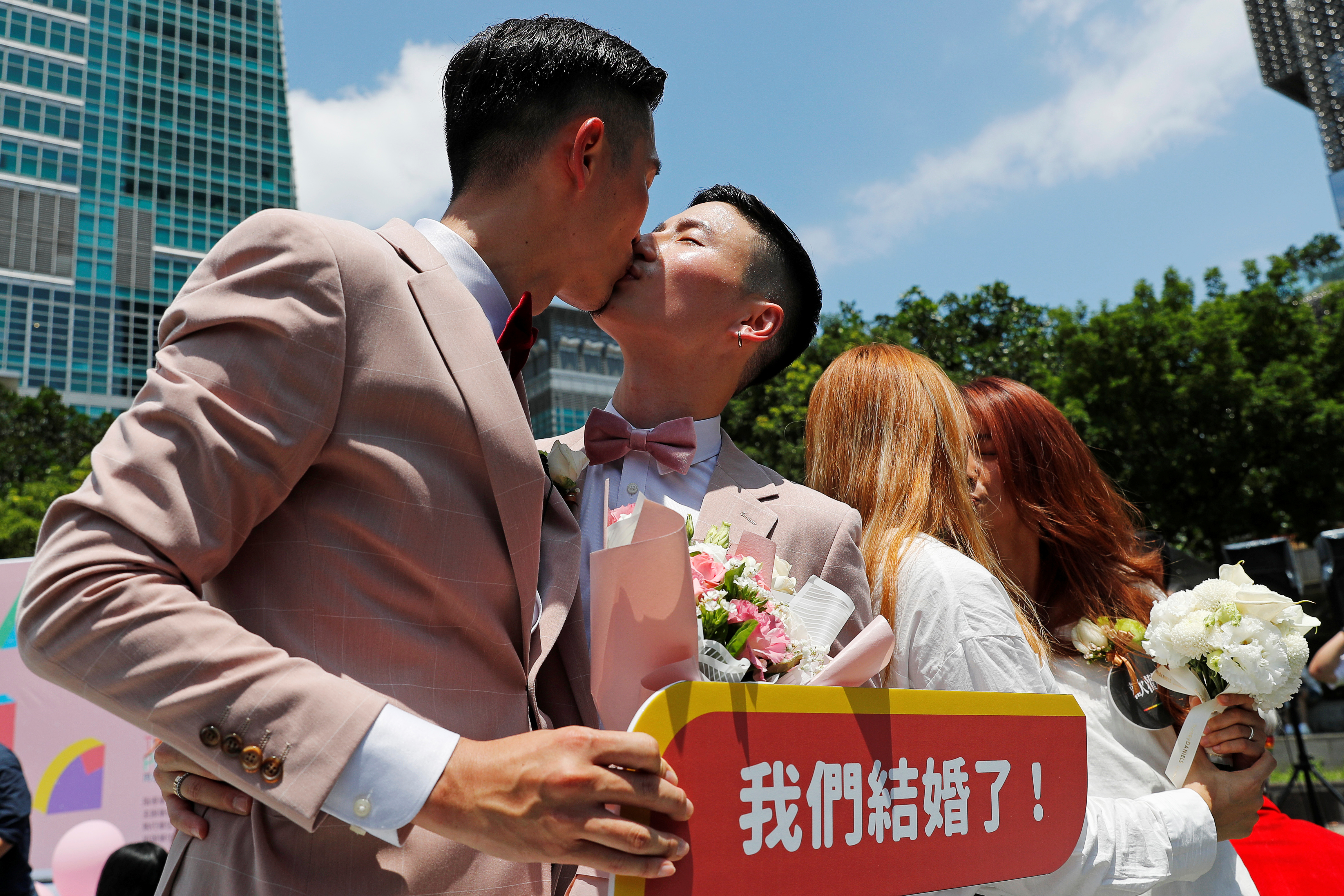 tgp-chubby-same-sex-marriage-in-japan-shows