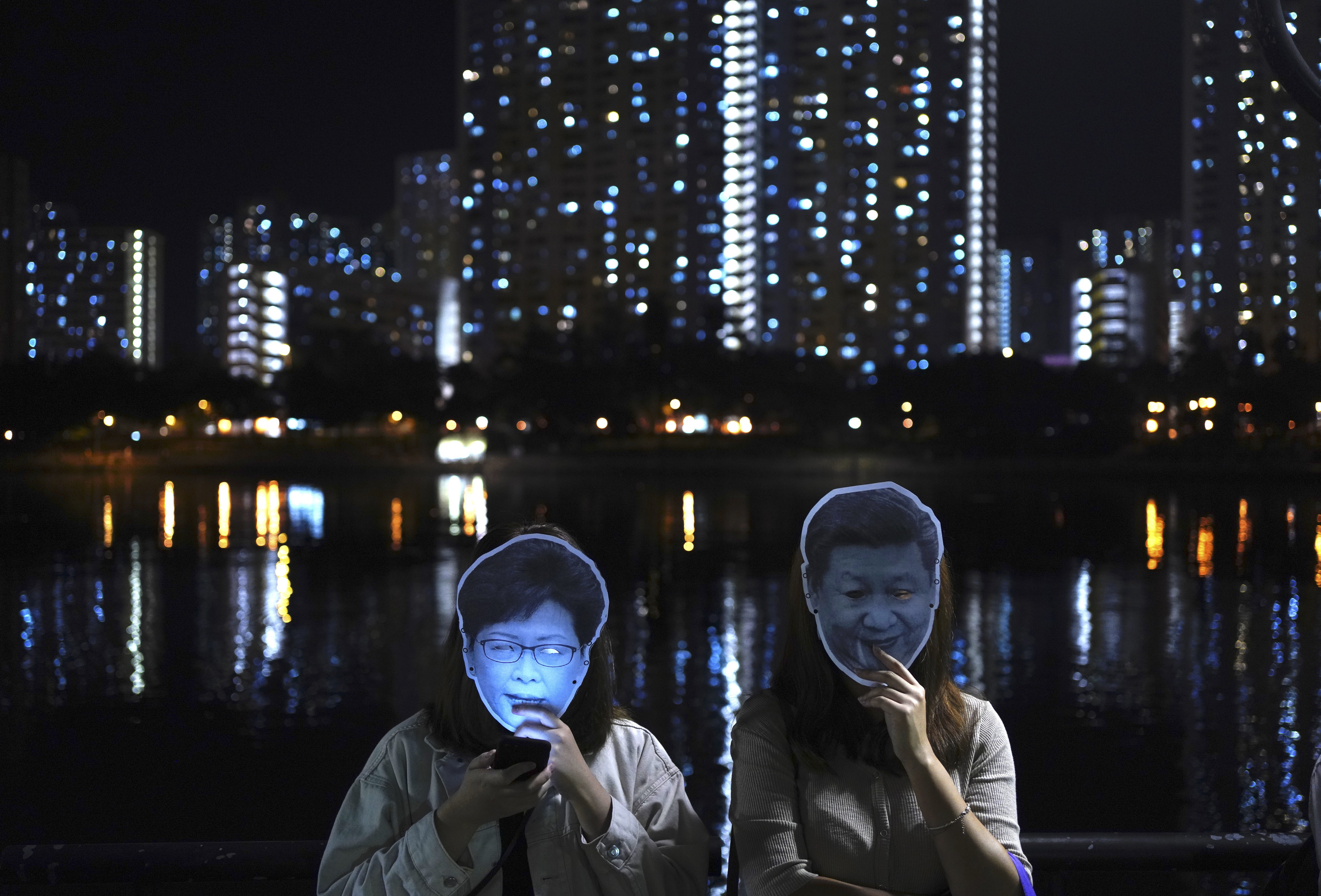 Hong Kong Protesters, Chief Executive, Vow Not to Give In
