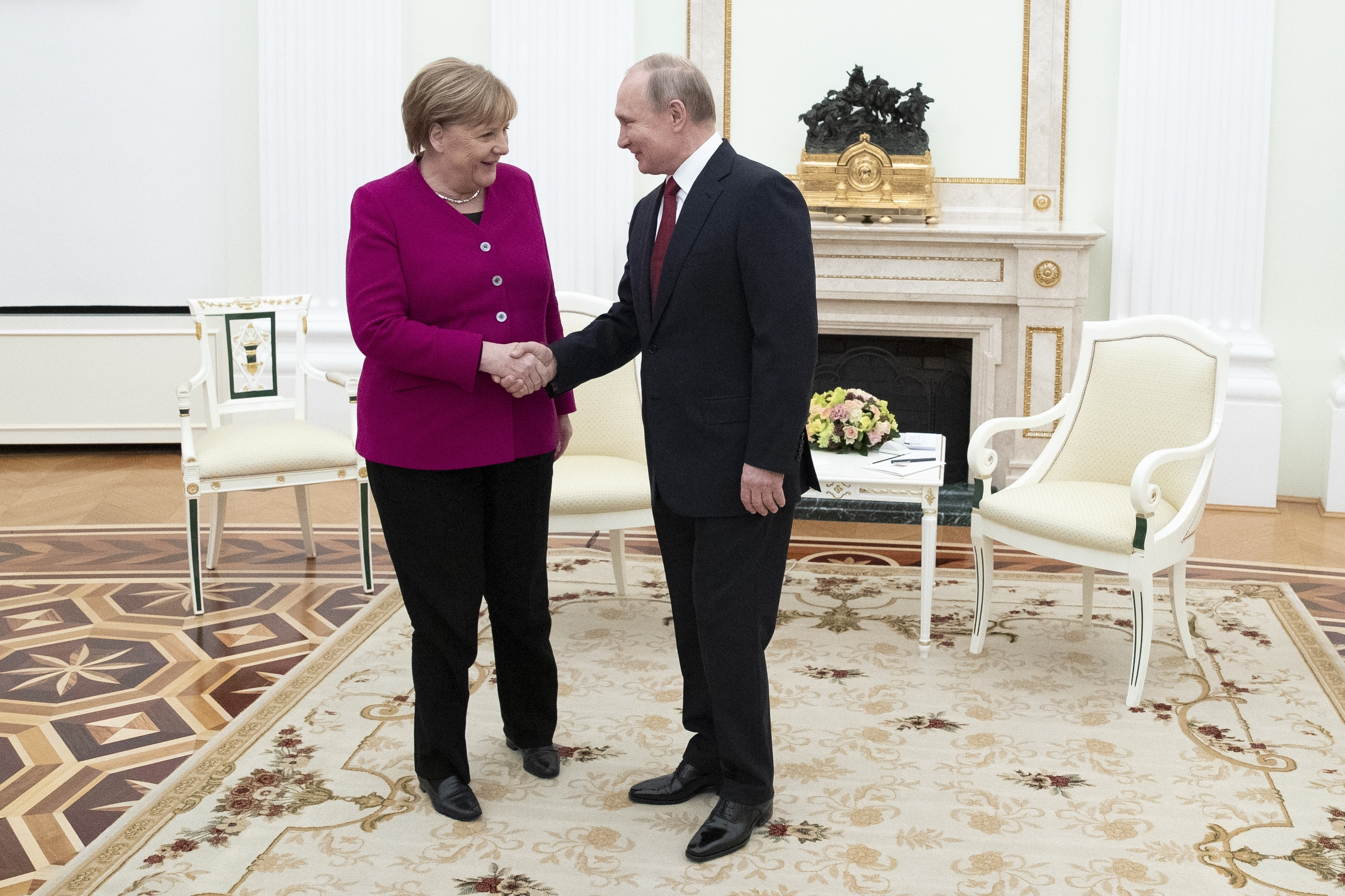 Russia's Putin, Germany's Merkel Hold Talks in Moscow