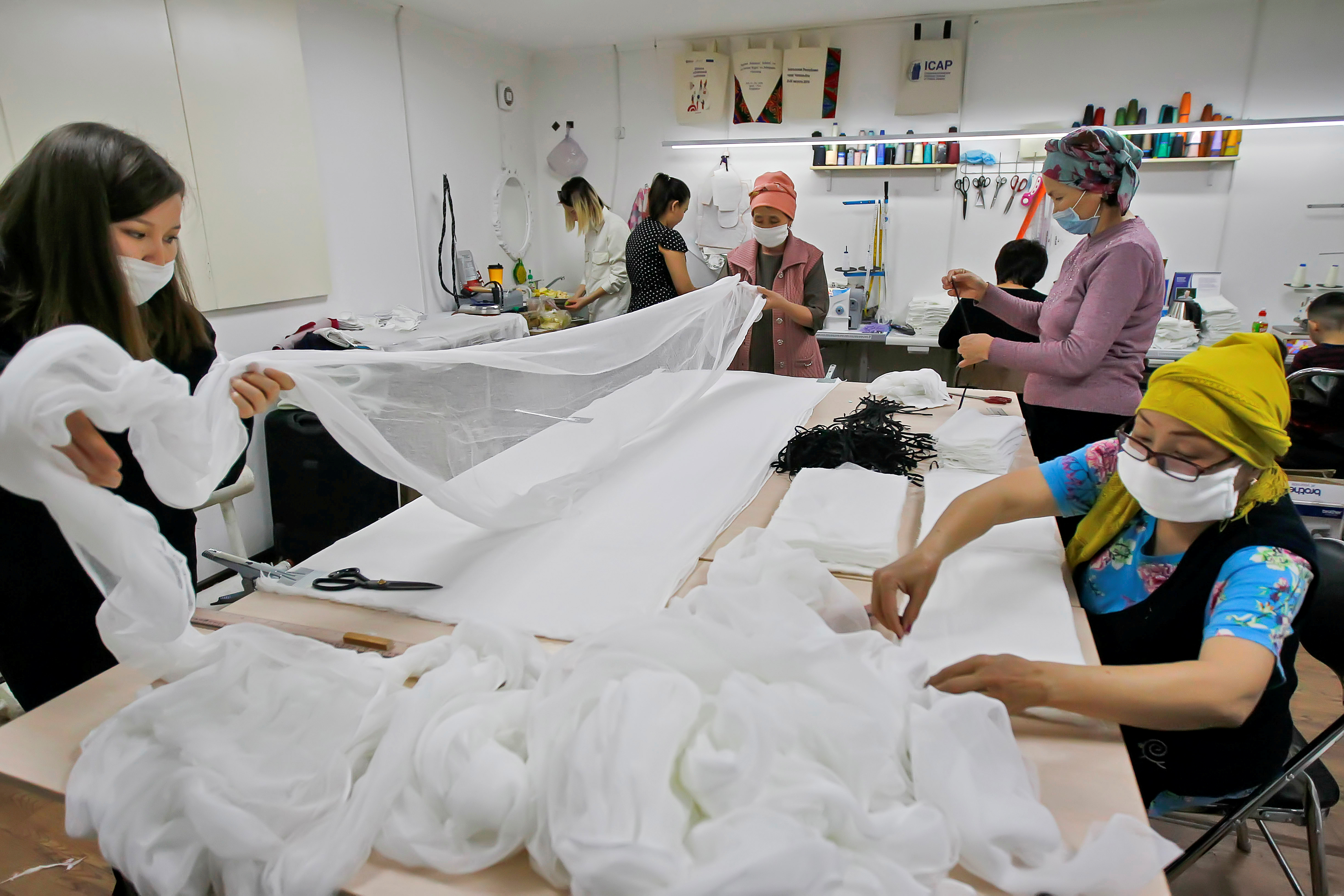 Kyrgyzstan Cancer Patients Make Face Masks To Fight Covid 19 Voice Of America English