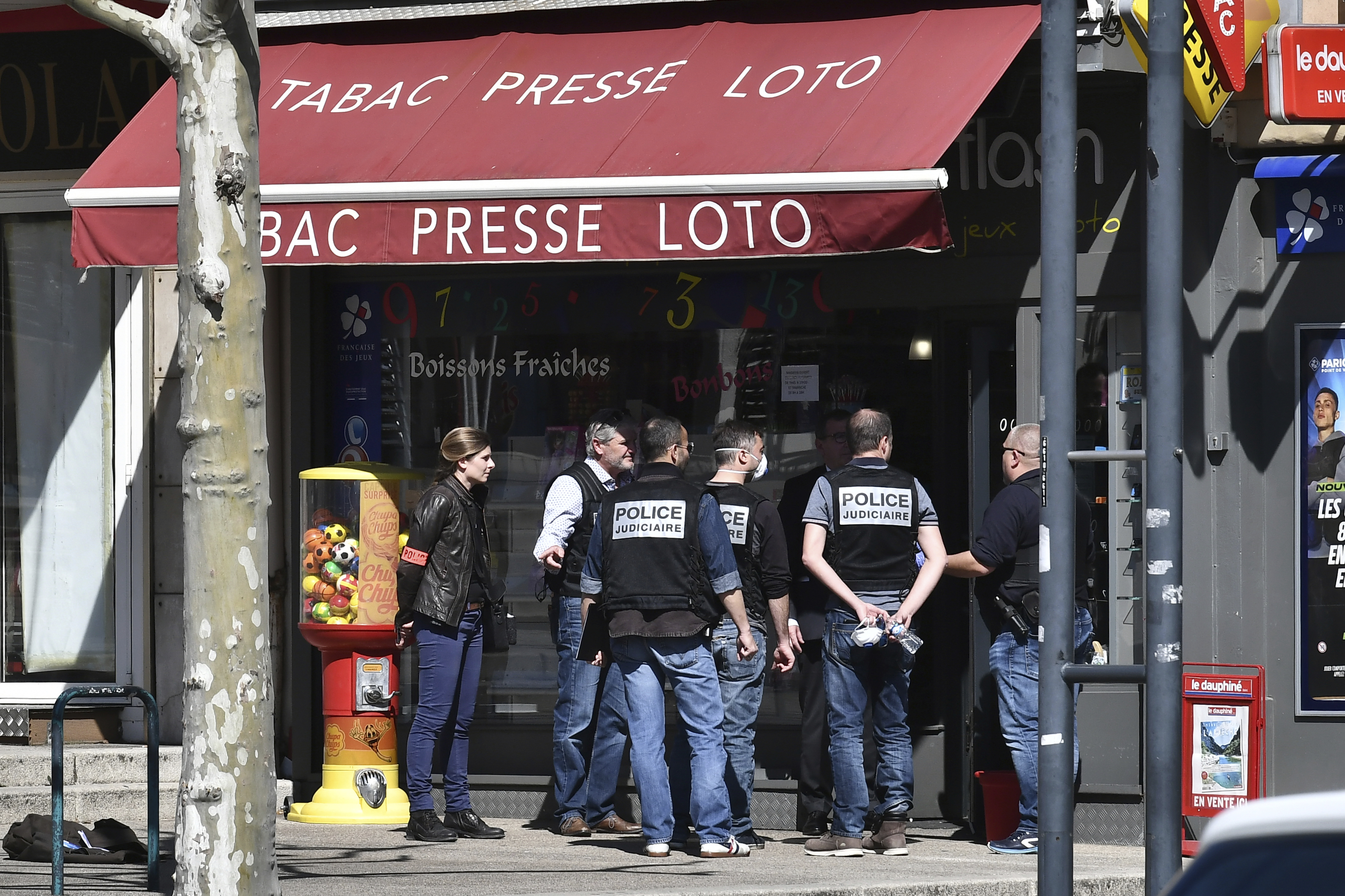 Knife-Wielding Man in Southern France Kills 2 in Attack on Passersby