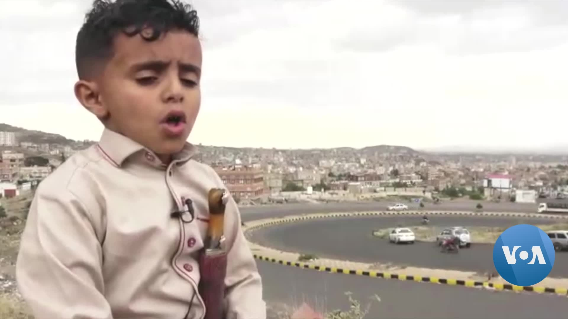Eight-Year-Old Yemeni Singer Enchants Arab World