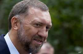 Russian metals magnate Oleg Deripaska attends Independence Day celebrations at Spaso House, the residence of the American Ambassador, in Moscow, Russia, July 2, 2015.