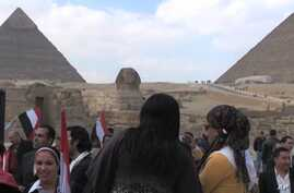 Scene near one of Egypt's top tourist attractions