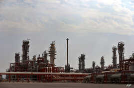 A general view of a natural gas refinery in the South Pars gas field on the northern coast of Persian Gulf in Asalouyeh, Iran, Nov. 19, 2015. The CWC Iran Gas Conference in Frankfurt, Germany, is bringing together government figures and private inves