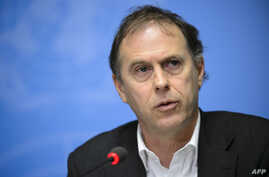 FILE - UN High Commissioner for Human Rights spokesperson Rupert Colville give a press briefing on January 29, 2016 in Geneva.