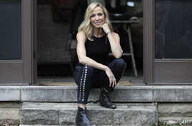 """Sheryl Crow poses in Nashville, Tennessee, to promote her upcoming album, """"Be Myself,"""" March 21, 2017."""