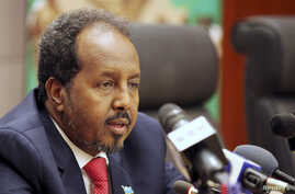 Somalia's President Hassan Sheikh Mohamud addresses a news conference at the African Union Headquarters in Addis Ababa, (File photo).