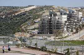A general view of a construction site in the West Bank Jewish settlement of Modiin Illit, March 14, 2011.