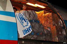 Arrival of UNHCR airlift of non food items for Ivorian refugees in Monrovia, 30 January 2011.