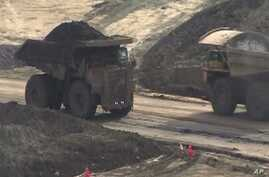 Canadian Oil Sands Provide Economic Boom with Environmental Risks