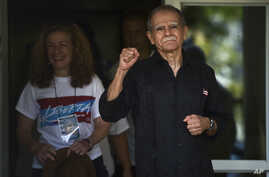 Puerto Rican nationalist Oscar Lopez Rivera is released from home confinement after 36 years in federal custody, in San Juan, Puerto Rico, May 17, 2017. Lopez was considered a top leader of Puerto Rican militant group that said it was responsible for