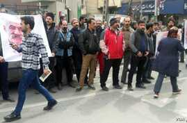 Gonabadi Dervishes stage a protest in front of a police station in Tehran on Feb. 19, 2018. (Radio Farda)