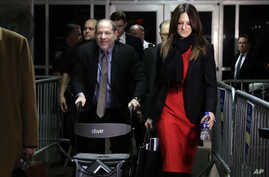 Harvey Weinstein, accompanied by defense attorney Donna Rotunno, leaves a Manhattan courtroom during his rape trial in New York…