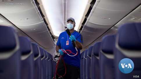 Airlines Require Passengers to Wear Masks