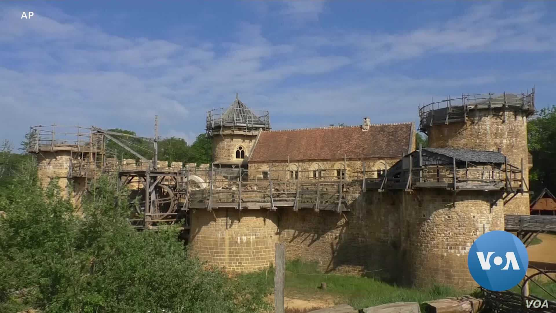 Modern Castle Built by Medieval Methods May Help Reconstruct Notre Dam