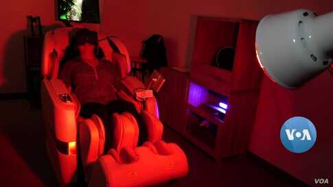 A Spa Experience That Includes Virtual Reality with a Massage