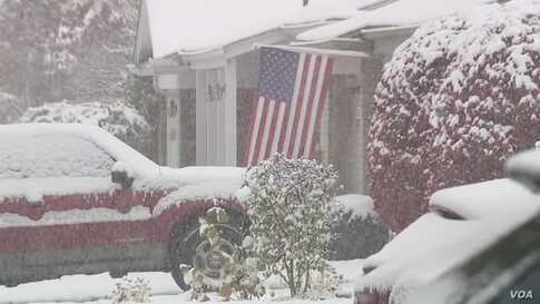 Cold Weather, Snow Come Early to Some US States