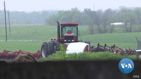 US Farmers Put Off Equipment Purchases Amid Trade War