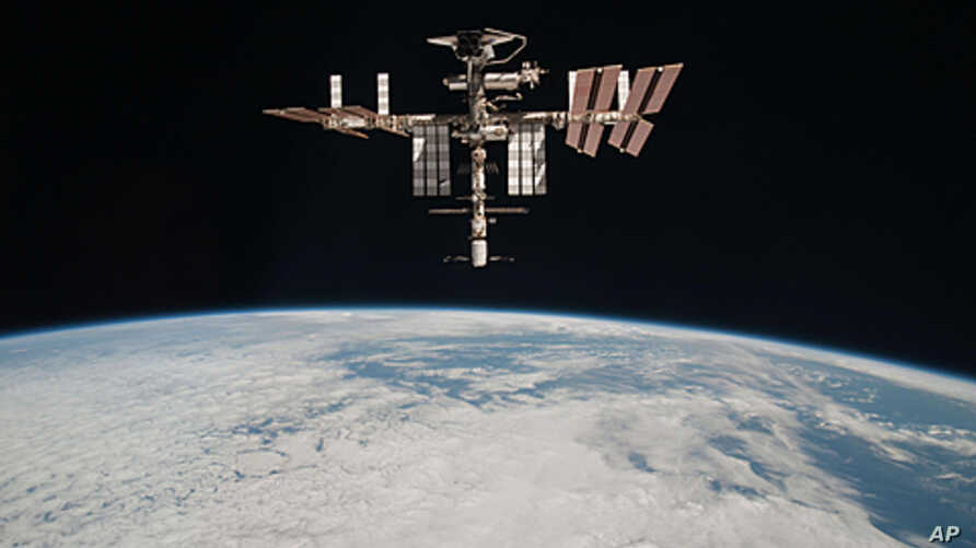 Passing Debris Forces ISS Crew to Escape Pods | Voice of