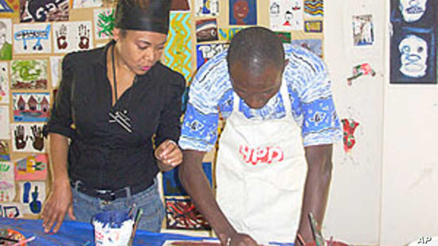 Art Therapy Helps Mentally Ill Patients in Dakar