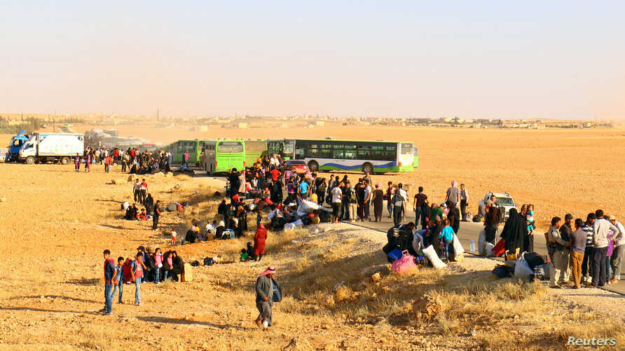 Syrian refugees arrive in Hama, Syria Aug. 3, 2017.