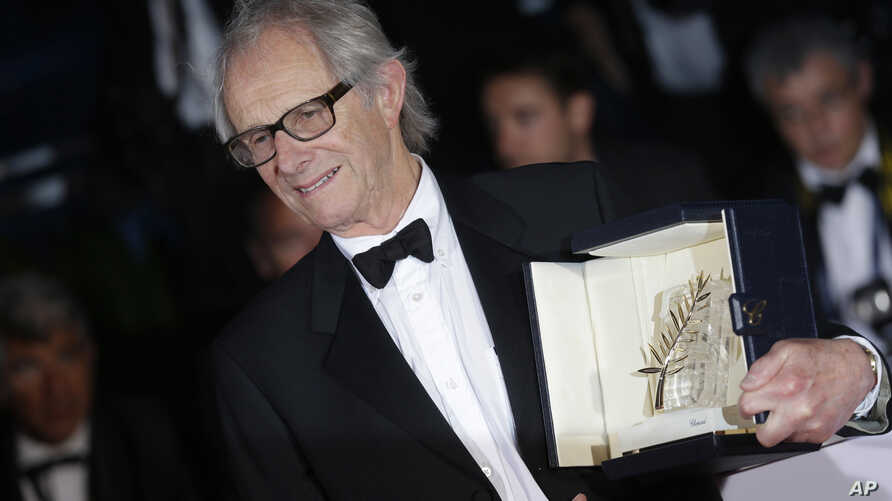 "Director Ken Loach poses for photographers with the Palme d'Or for his film ""I, Daniel Blake"" during the photo call following the awards ceremony at the 69th international film festival, Cannes, southern France, May 22, 2016."
