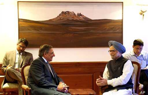 US Secretary of Defense Leon Panetta, second left, speaks with Indian Prime Minister Manmohan Singh June 5, 2012.