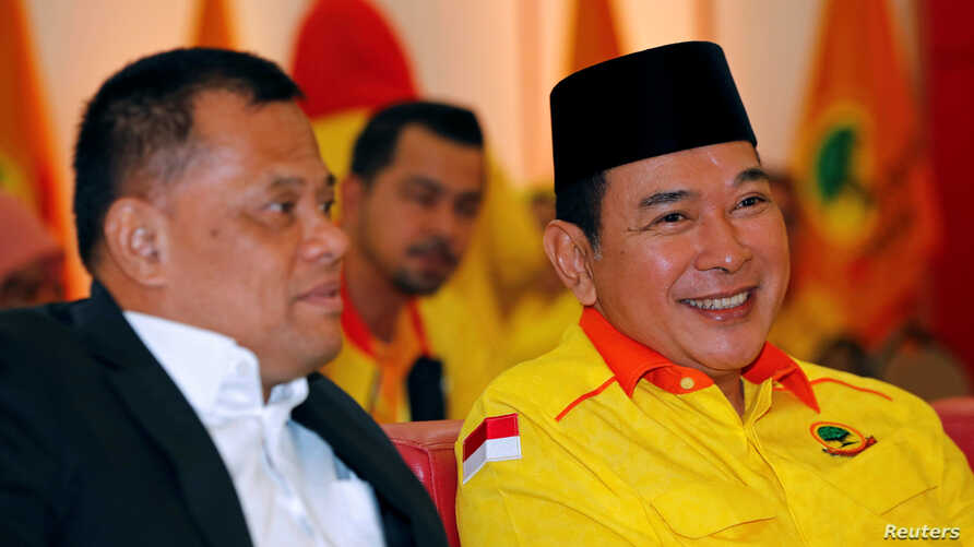 """The youngest son of former Indonesian president Suharto, Hutomo """"Tommy"""" Mandala Putra and former Indonesian military chief Gatot Nurmantyo attend Berkarya party congress at a hotel in Bogor, Indonesia, July 23, 2018."""