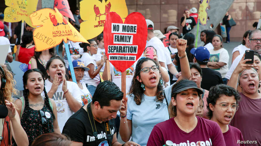 Protesters gather to show support for the Deferred Action for Childhood Arrivals (DACA) program during a rally outside the Federal Building in Los Angeles, U.S., Sept 1, 2017.